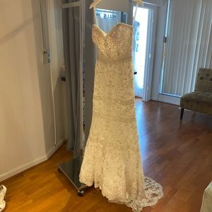 Allure cloture fully beaded gown